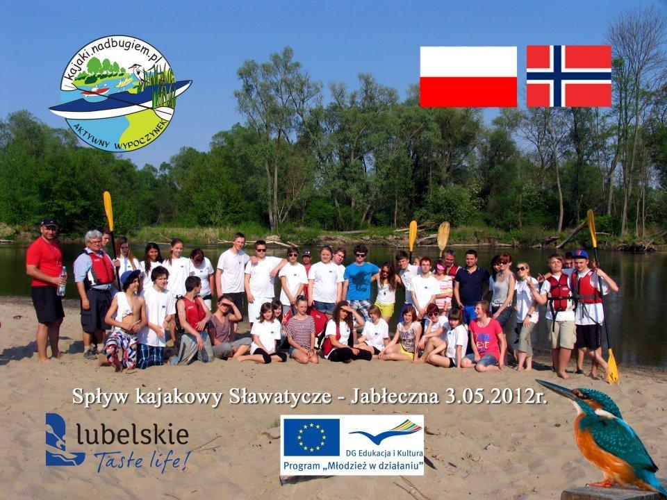 Zdjęcie grupowe uczestników spływu (Norwegów i Polaków) do Jabłecznej 3 maja 2012r.