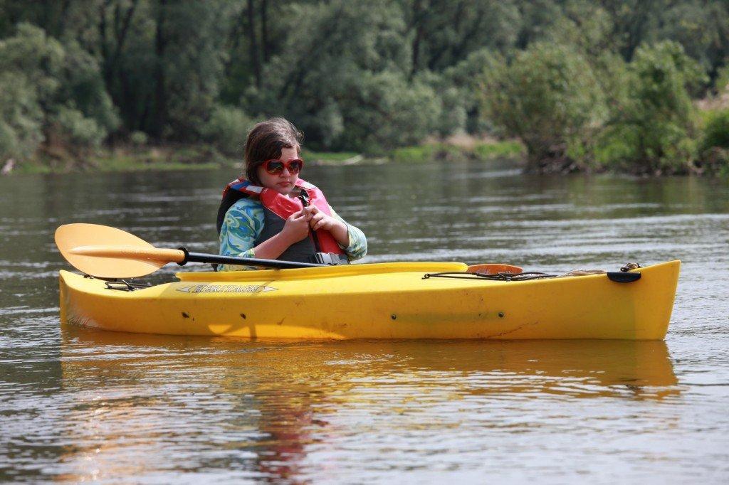 Moja 10 letnia córka Ola. Spływ Bugiem 2012.
