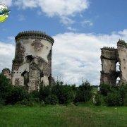 Czerwonogród-ruiny pałacu Ponińskich